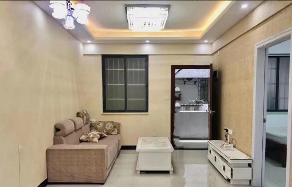 真实房源 精装修温馨2室只需3800元 随时可看房